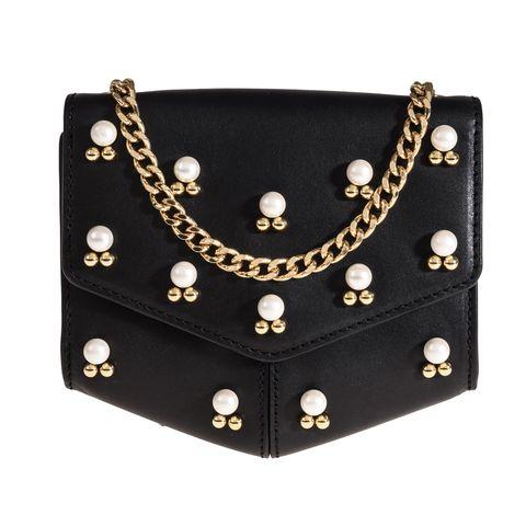 Fashion accessory, Fashion, Jewellery, Leather, Bag, Pearl, Necklace, Handbag, Pattern, Metal,
