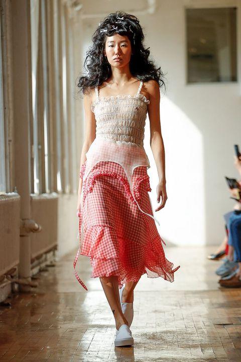 Fashion model, Fashion, White, Clothing, Fashion show, Runway, Red, Fashion design, Beauty, Waist,