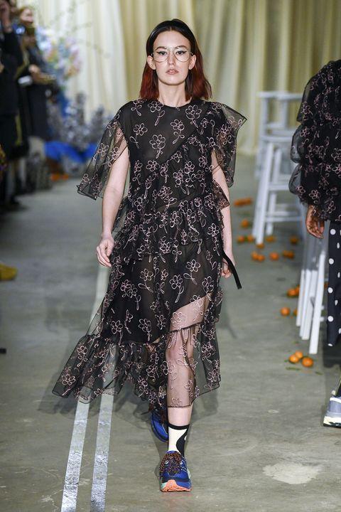 Fashion model, Fashion, Fashion show, Runway, Clothing, Haute couture, Dress, Shoulder, Footwear, Event,