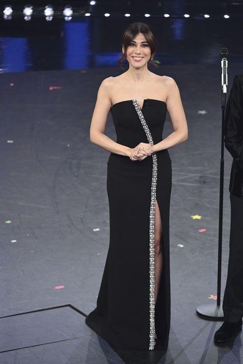 online retailer e72e2 27f57 Virginia Raffaele, i vestiti Giorgio Armani a Sanremo 2019