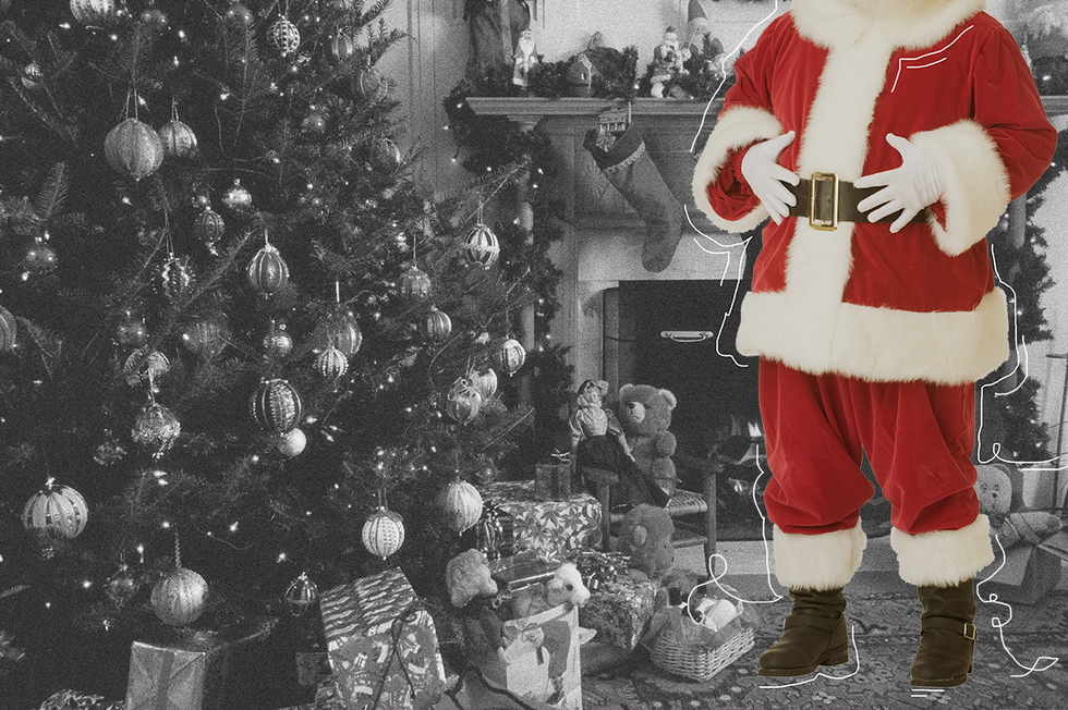 The Handy 'Capture the Magic' App Lets You Capture a Photo of Santa Next to Your Tree