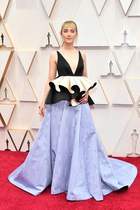 Saoirse Ronan in Valentino tijdens de Oscars 2020.
