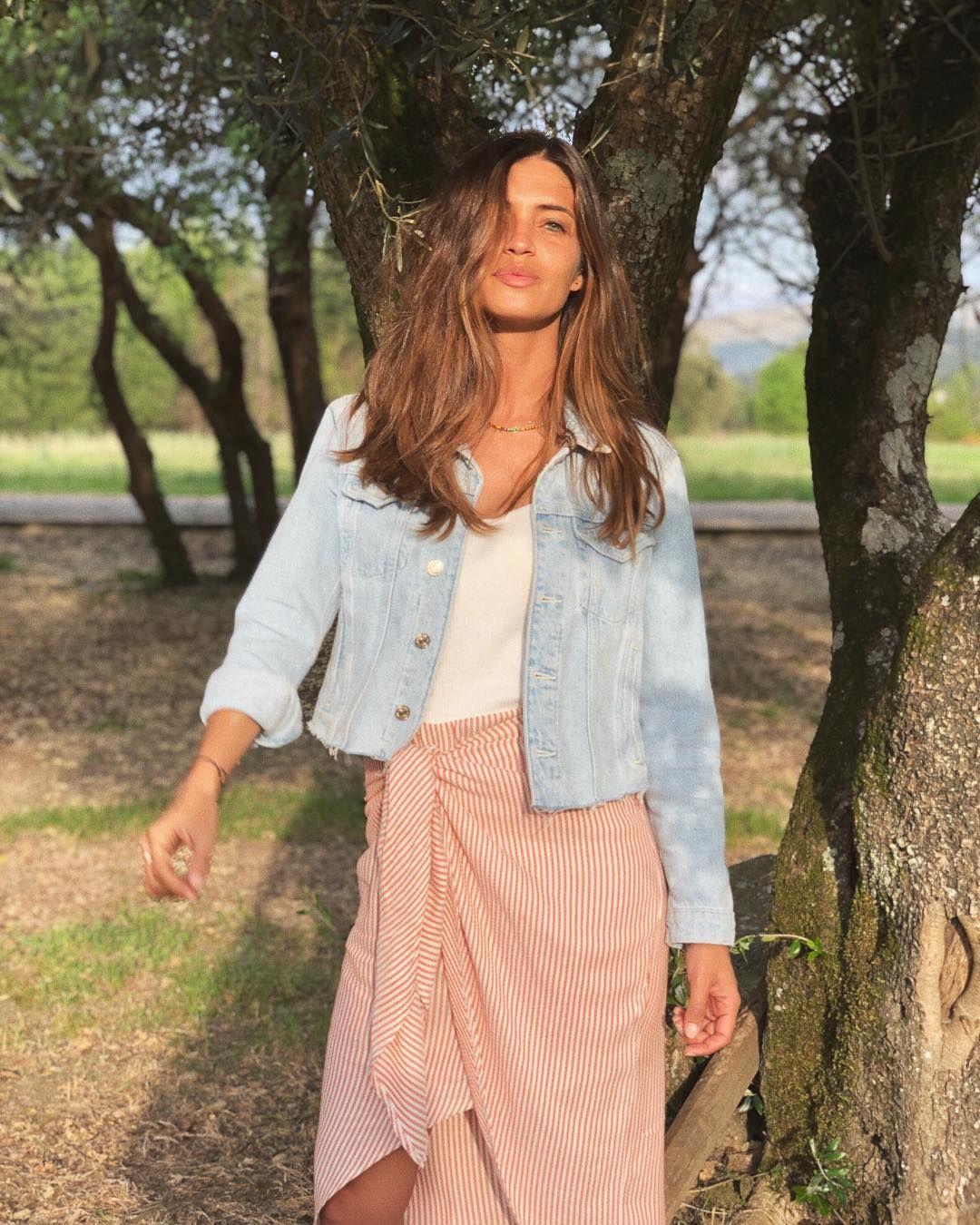 Sara Carbonero con vestido pareo de Zara Sara Carbonero