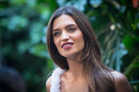 Sara Carbonero Presents Calzedonia Campaign