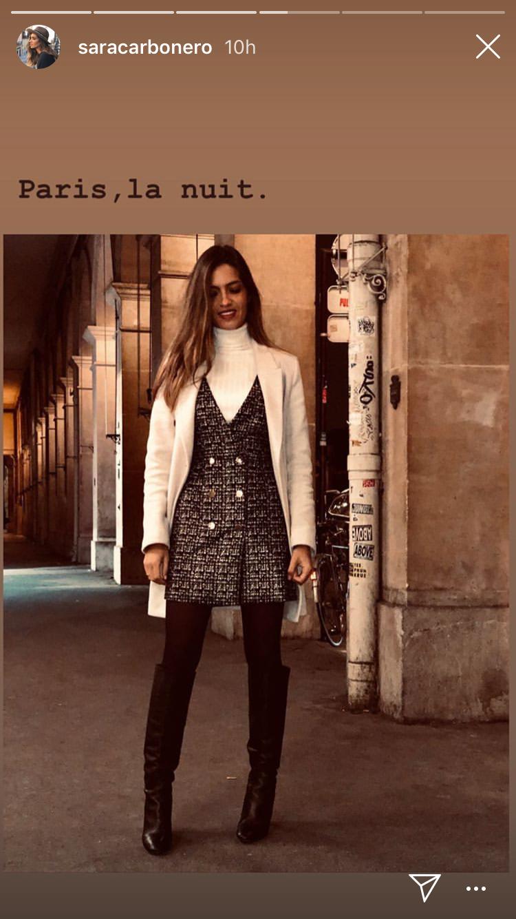 672a181703 Sara Carbonero y su look más parisino con un vestido pichi y botas altas de  Zara