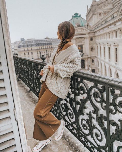 White, Clothing, Street fashion, Fashion, Footwear, Snapshot, Outerwear, Beige, Waist, Trench coat,