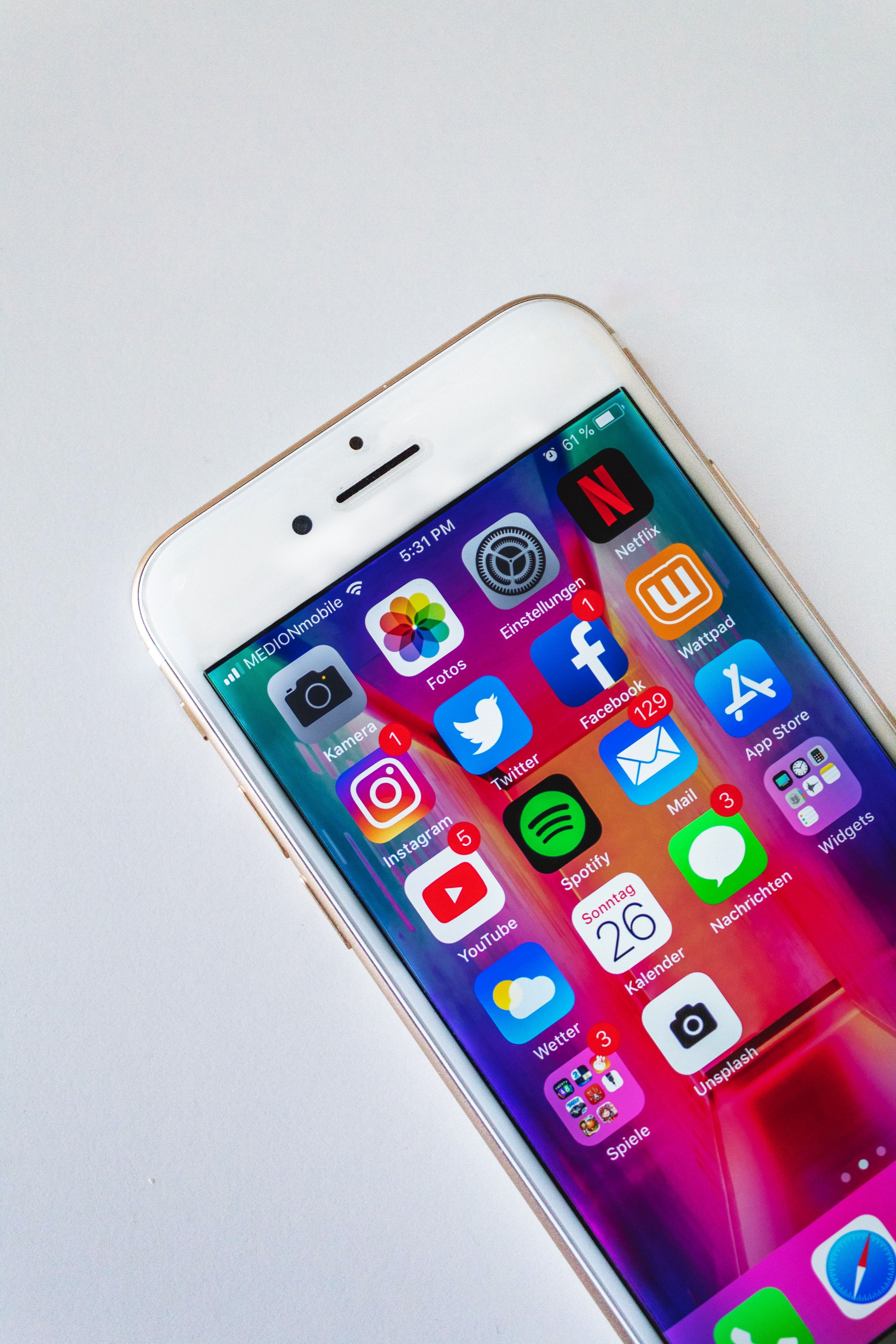 Esistono 2 milioni di app, perché ne usiamo quattro?