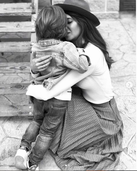 Photograph, Child, Black-and-white, Hug, Snapshot, Interaction, Photography, Monochrome photography, Monochrome, Toddler,