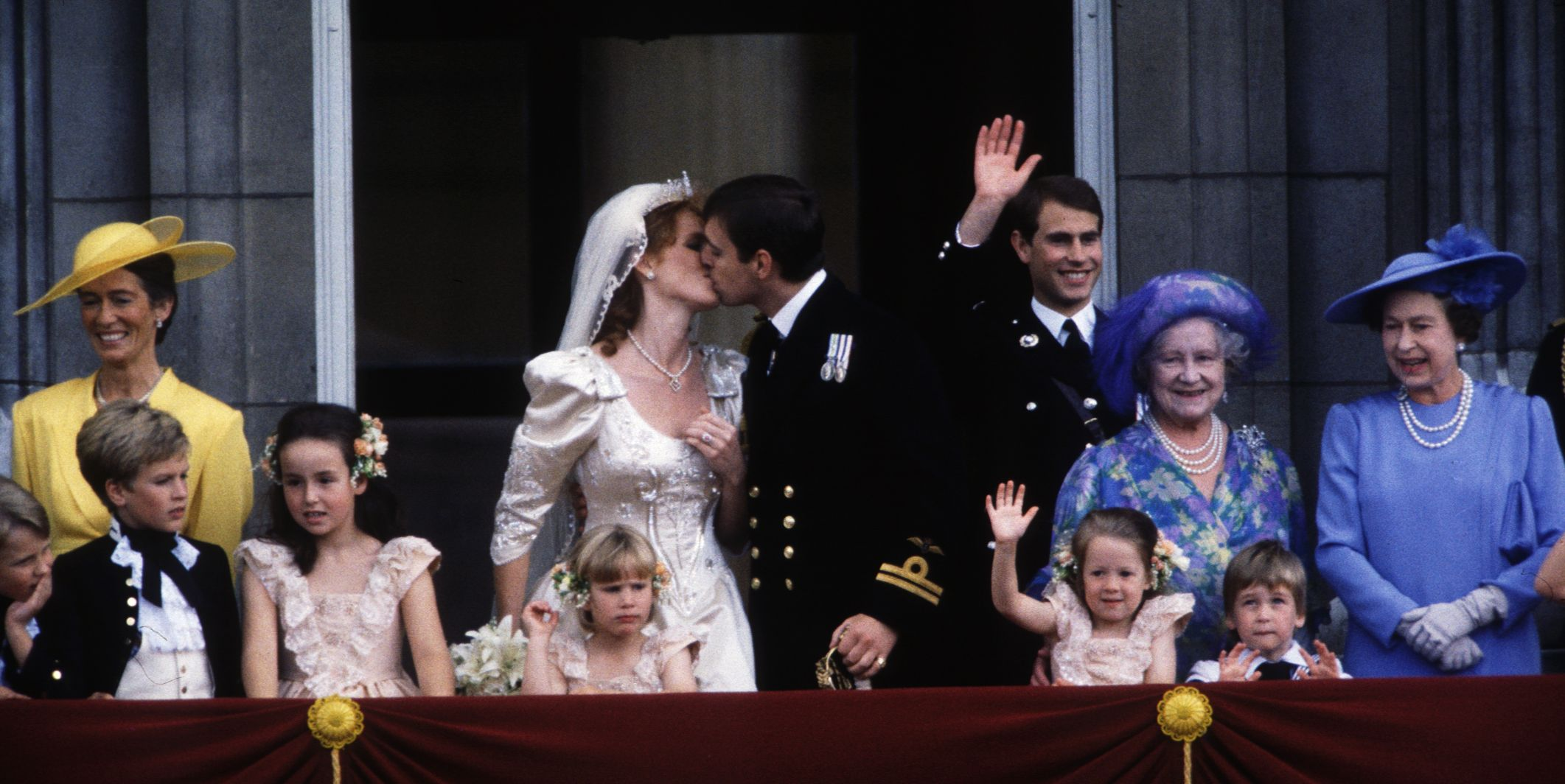 kissSarah Ferguson and Prince Andrew Wedding