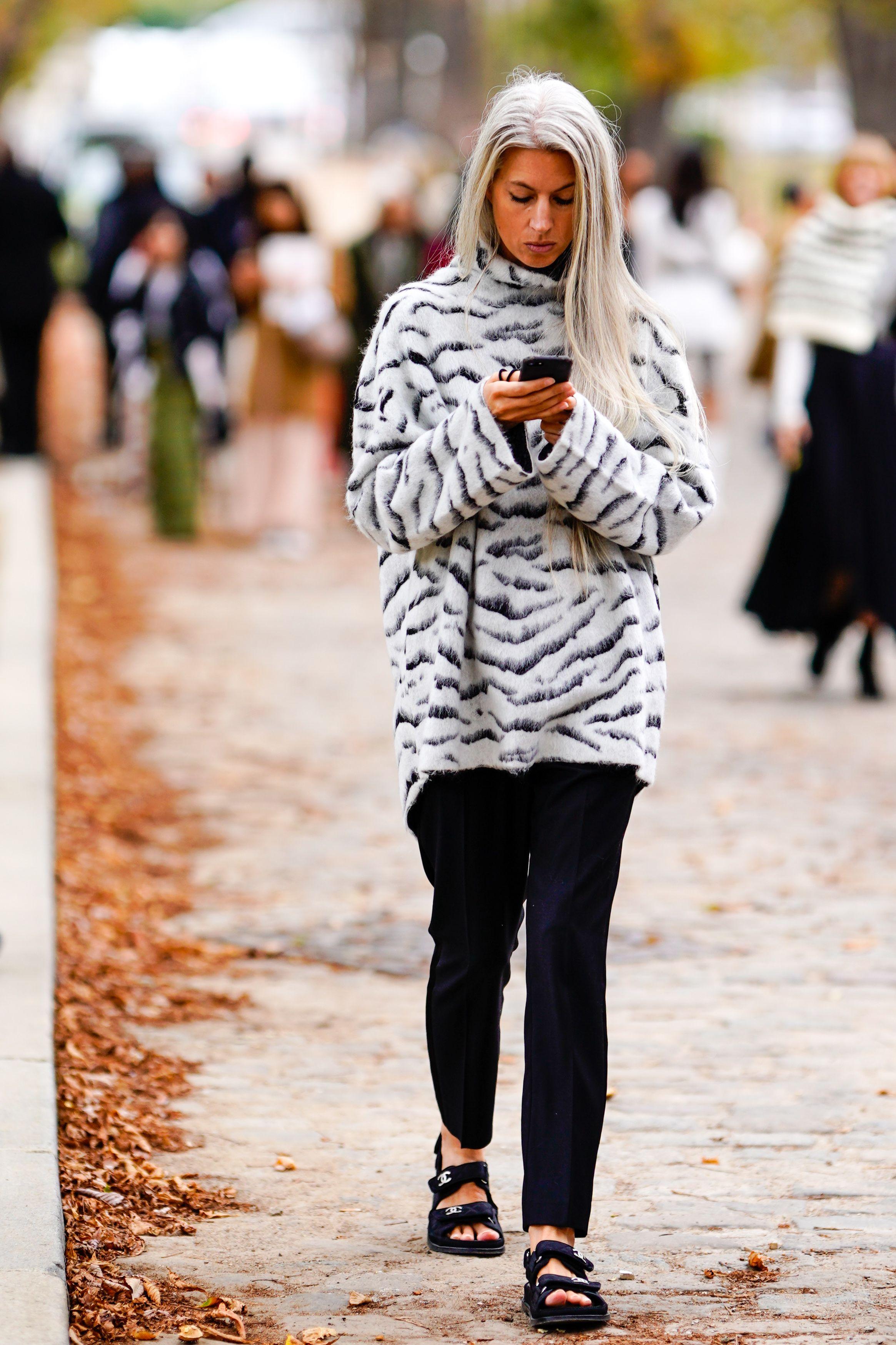 sarah-harris-black-white-tiger-print-sweater-1541011795.jpg (2329×3493)