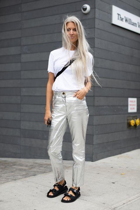 Capelli bianchi  le donne non sono più ossessionate da rimedi e tinte 0e1a2ea2bca9