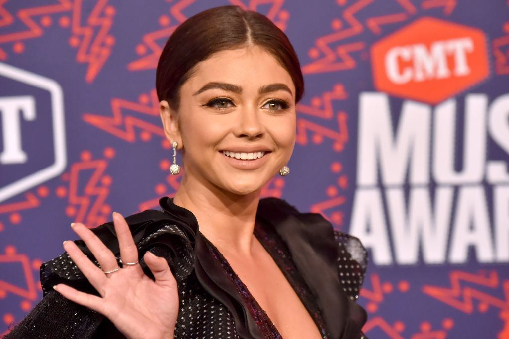 Sarah Hyland Shows Off Her Scars in Gorgeous Red Bikini Pics and I'm Fangirling RN