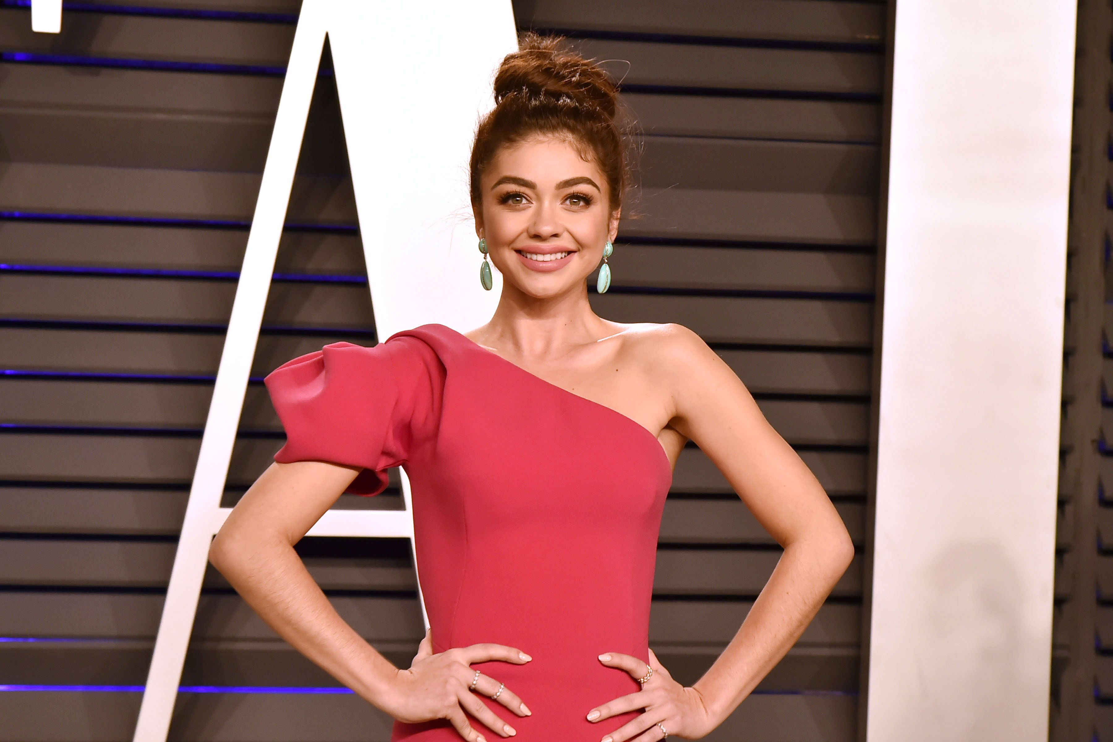 Sarah Hyland Was Hospitalized After a Mystery Illness Left Her Short of Breath