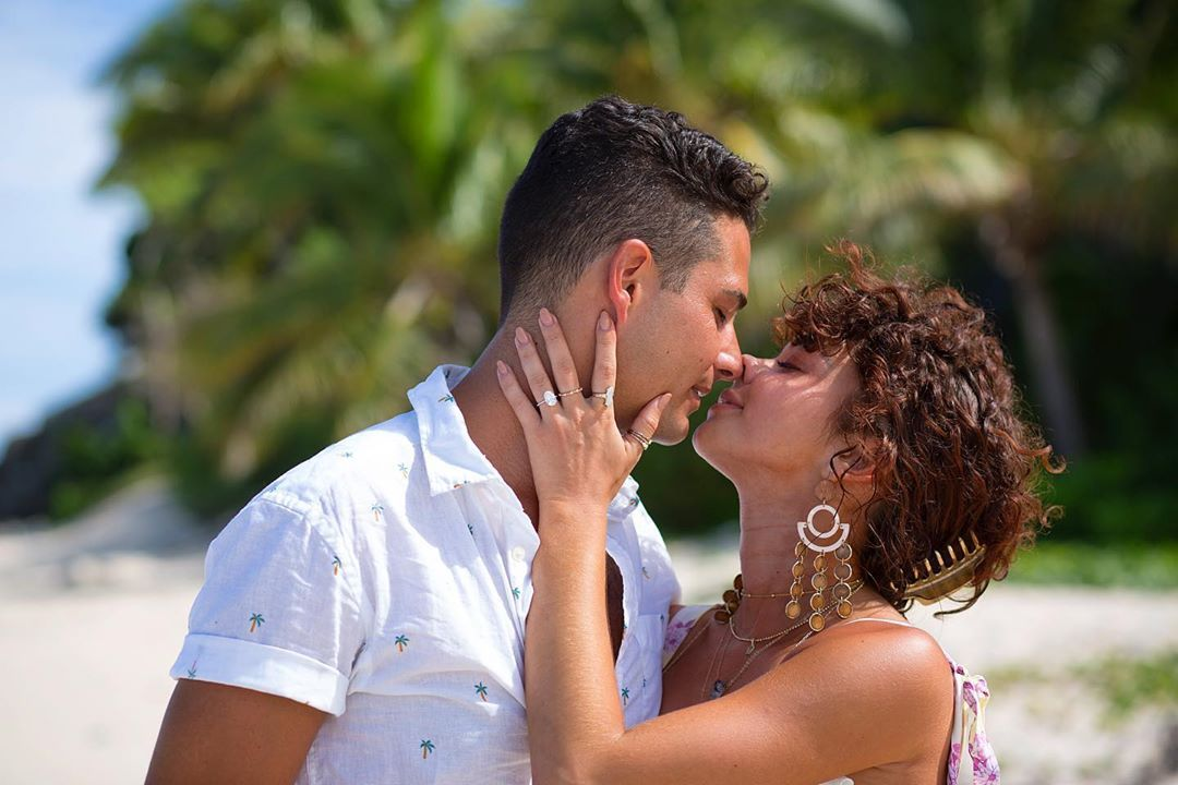 Sarah Hyland and Wells Adams Post Cute Messages for Their Second Anniversary