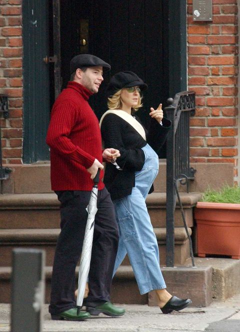 Sarah Jessica Parker and Matthew Broderick have been married for 30 years and form one of the most solid couples in Hollywood here we see her pregnant with her first child