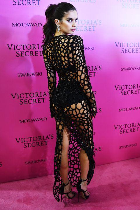 Fashion model, Clothing, Dress, Fashion, Hairstyle, Beauty, Shoulder, Long hair, Lip, Fashion show,