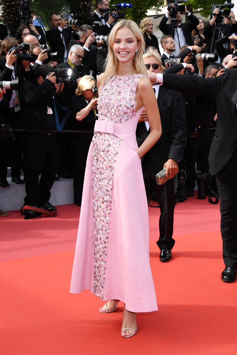 Sasha Luss At the Once Upon a Time in Hollywood premiere on May 21, 2019.