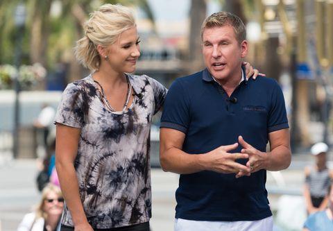 Dean Unglert, Todd And Savannah Chrisley Visit 'Extra'