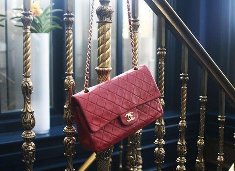 Handbag, Bag, Fashion accessory, Leather, Material property,