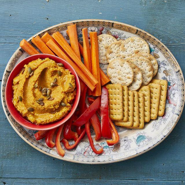 pumpkin hummus with veggies and crackers