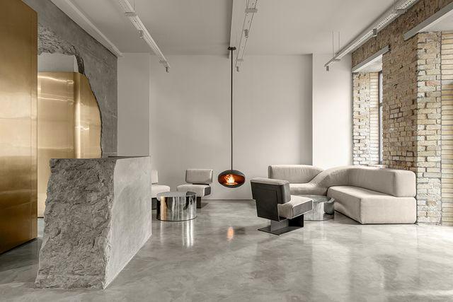 centro de estética say no mo con espacios de diseño y tonos dorados