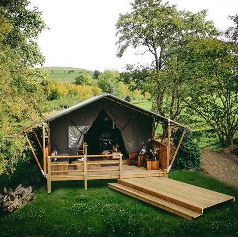 Safari tents UK - safari tent holidays uk - luxury glamping