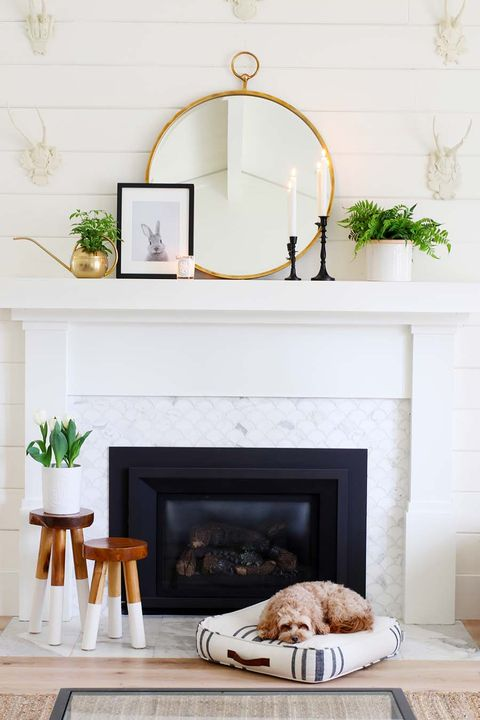 22 Best Fireplace Decor Ideas, How To Decorate Mantel Above Fireplace
