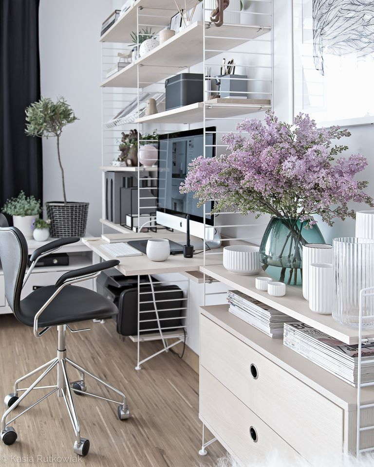 A Tour Inside a Blogger's Home Office Design home office design A Tour Inside a Blogger's Home Office Design scandinavian office design 4 1492032659
