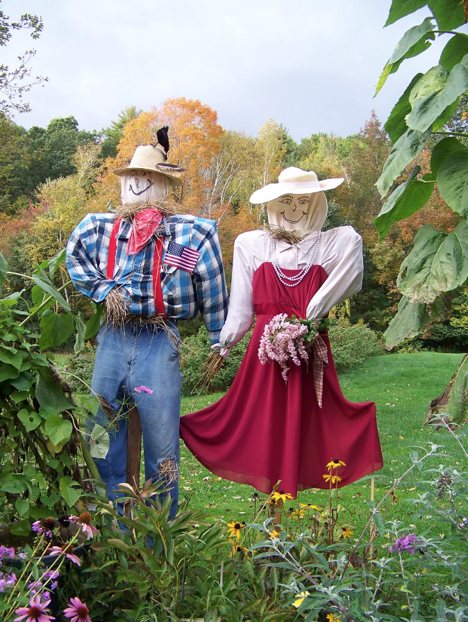 How To Make A Scarecrow 20 Best Diy Scarecrow Crafts