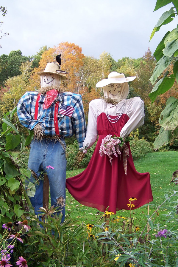how to make a scarecrow couple