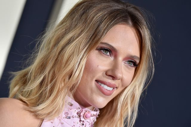 los angeles, california   october 15 scarlett johansson attends the premiere of fox searchlights jojo rabbit at post 43 on october 15, 2019 in los angeles, california photo by axellebauer griffinfilmmagic