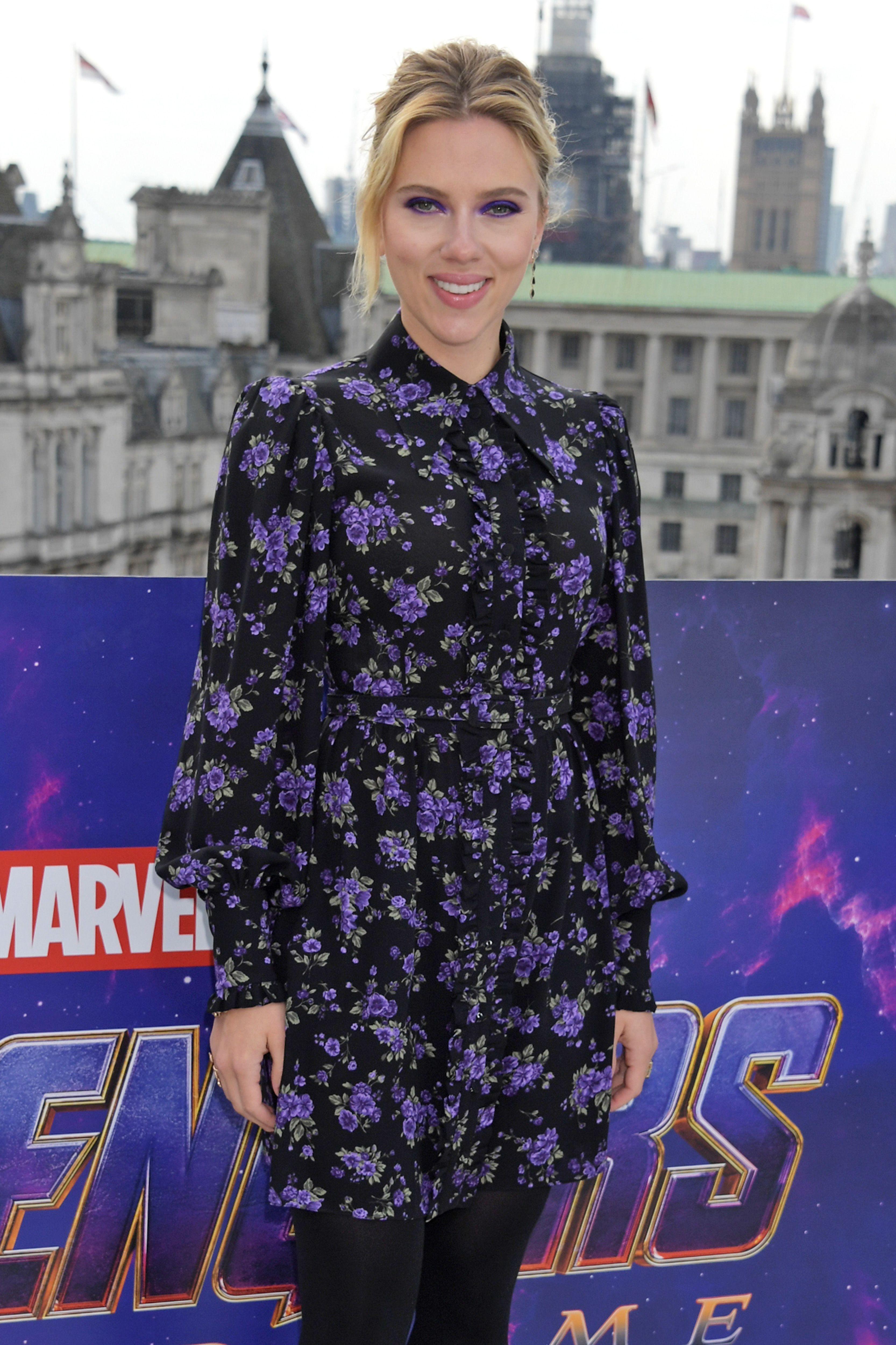 Scarlett Johansson Style Fashion Pictures Of Scarlett Johansson