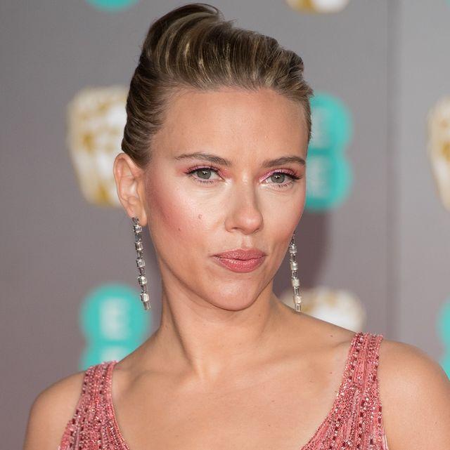 How Scarlett Johansson 35 Gets Her Skin Red Carpet Ready