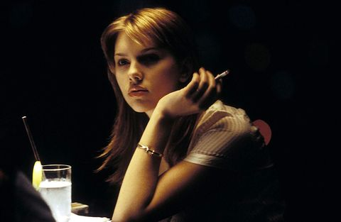 Beauty, Smoking, Lip, Lighting, Blond, Human, Photography, Hand, Brown hair, Cigarette,