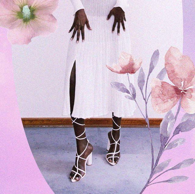 una scarpa che sta bene con tutto la trovi solo tra i sandali alti con tacco sottile da scegliere tra il sandalo bianco e il sandalo nero a listini sottili