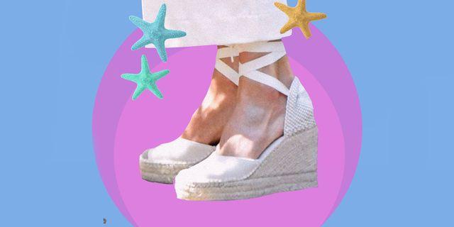 le scarpe donna dell'estate 2021 hanno le zeppe, sono comode e si chiamano espadrillas, ecco come abbinare le scarpe con zeppa estive più cool delle vacanze