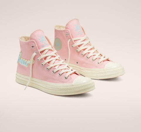 Sono arrivati i nuovi drop di scarpe moda dell'inverno 2020 che indossi ogni giorno, 7 modelli di sneakers stile che alzano il livello dei tuoi look sportswear.