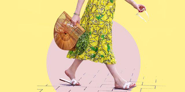 scarpe donna estate 2021, scopri quali sono i sandali bassi colorati, con le fascette in pelle o i sandali infradito con i lacci su cui puntare adesso con i saldi