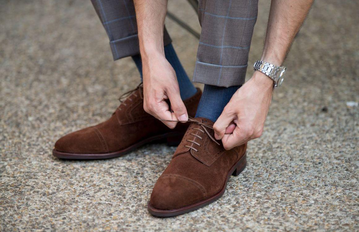 scarpe uomo eleganti indossate