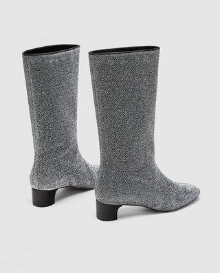 comprare on line 435ee 114a7 Zara, scarpe 2018: ci sono anche gli stivali Chanel low cost