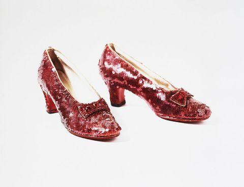 il mago di oz ritrovate le scarpe di judy garland a 13 anni dal furto il mago di oz ritrovate le scarpe di