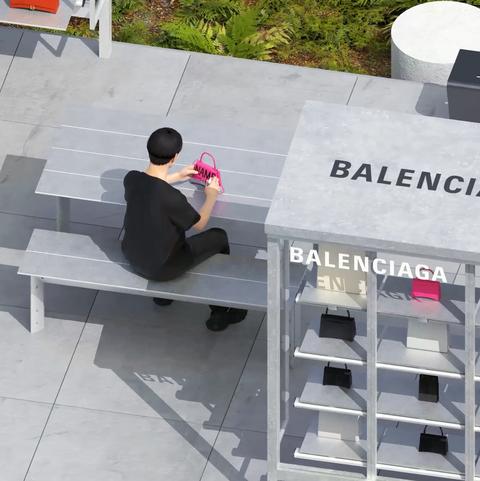 BALENCIAGA特選專賣店將會有藝術家親臨現場為顧客塗鴨