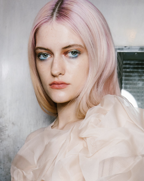 Hair, Face, Eyebrow, Pink, Hairstyle, Blond, Lip, Hair coloring, Beauty, Skin,