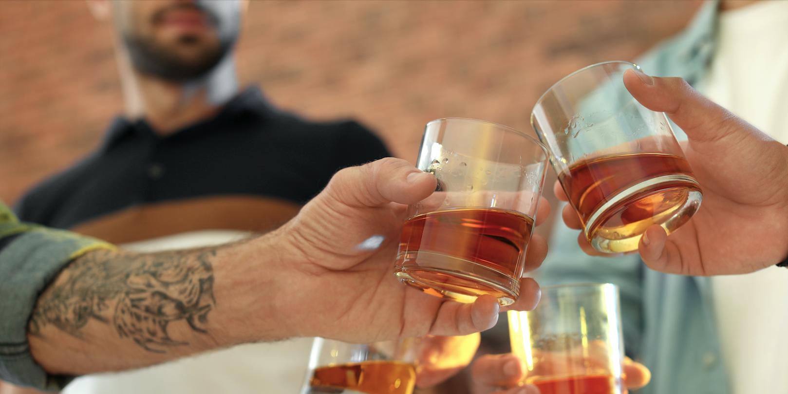 In koude landen drinken ze meer alcohol
