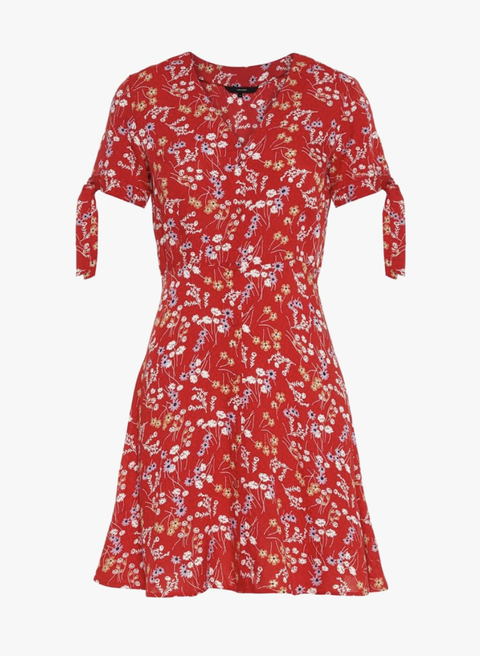 Clothing, Day dress, Red, Dress, White, Sleeve, Cocktail dress, Textile, Pattern, T-shirt,