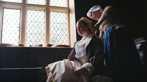 Historische aankleedfilmpjes op YouTube