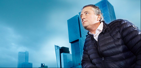 Daytime, White-collar worker, Businessperson, Sky, Real estate, Business, Skyscraper, City, Tower block, Suit,