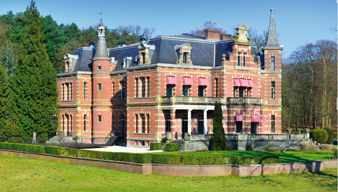 Building, Facade, Manor house, Mansion, Stately home, Villa, Château, Palace, Estate, Classical architecture,