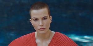 Sylvia-Hoeks-model-juli-augustus-Vogue-Nederland