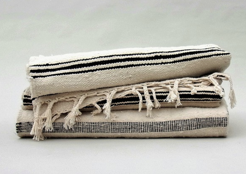 Linens, Beige, Towel, Textile, Wallet, Coin purse, Zipper, Linen, Fashion accessory,